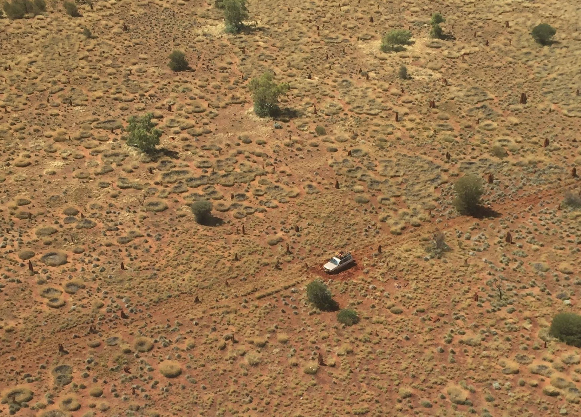 Bogged Gibson Desert couple rescued