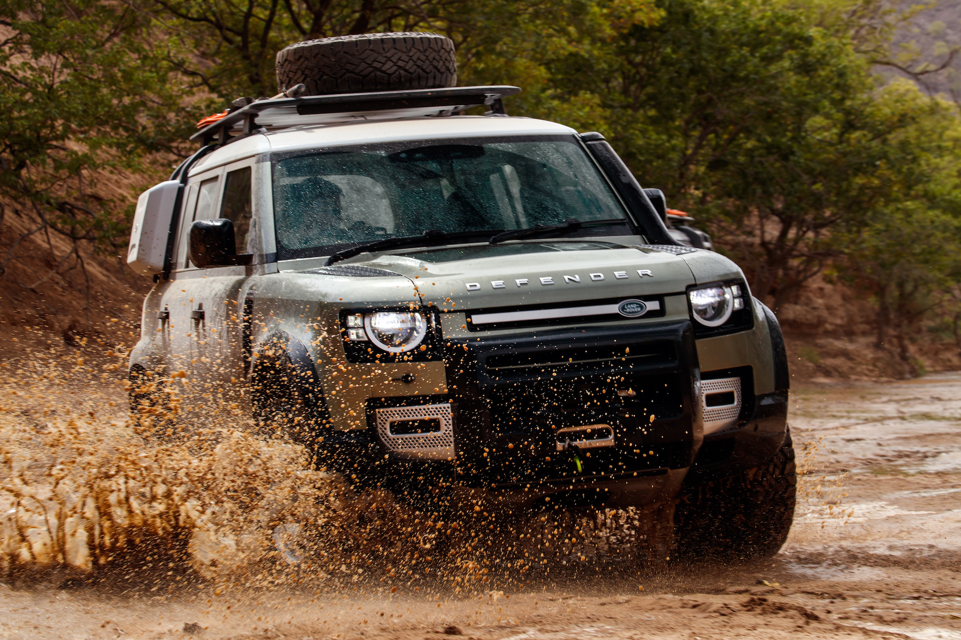 New Land Rover Defender Driven Down Under