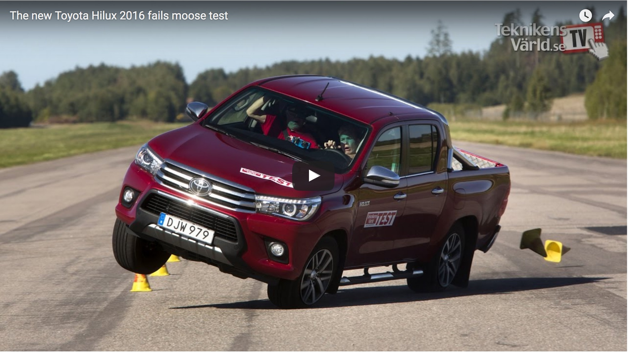 HiLux fails Moose Test, admirably. (VIDEO)